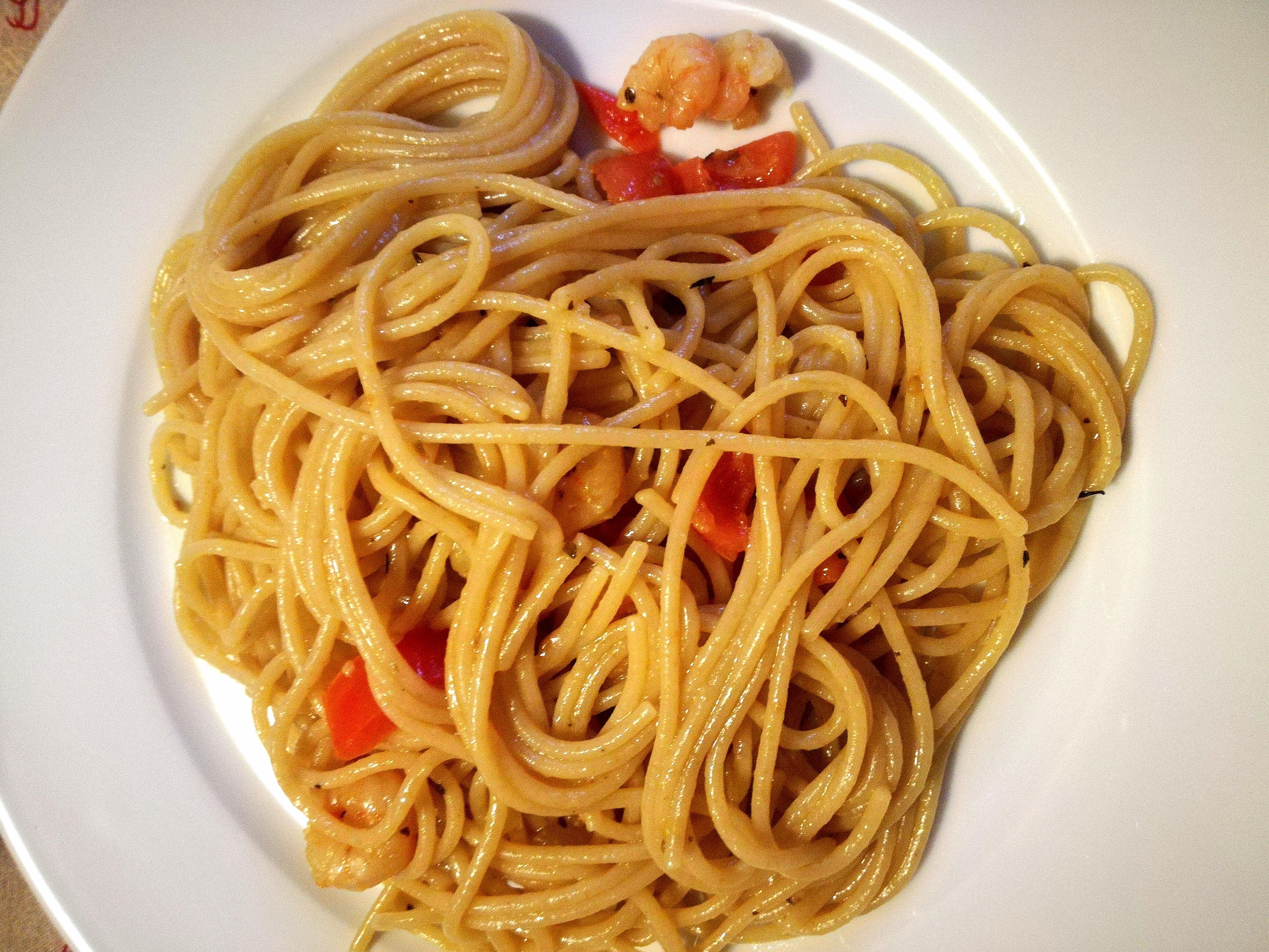 spaghetti integrali con gamberetti