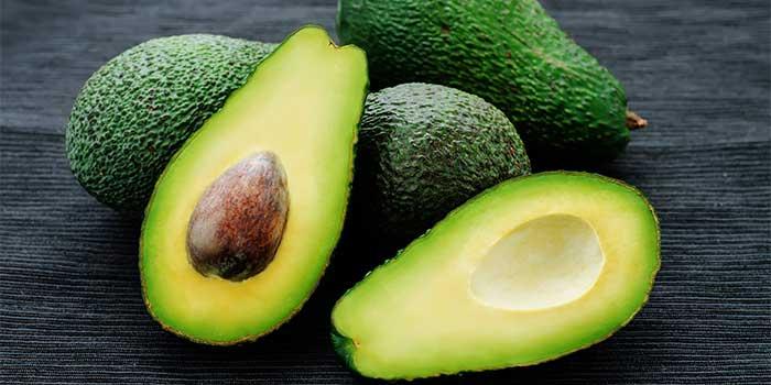avocado olio limone e peperoncino