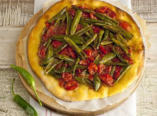 pizza con peperoncino fresco