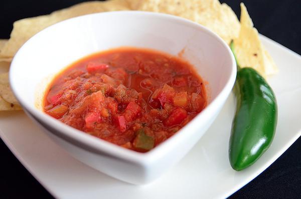 salsa piccante pomodoro cipolle e peperoncino